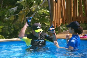 576€ ce forfait à 4 (coaching aquafitness et natation plus 7 nuits en bungalow de luxe) avec Deals Guadeloupe