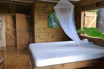 179€ au lieu de 245€ un forfait massage avec un séjour 2N/2Pers dans un bungalow avec piscine surplombant la mer des caraibes
