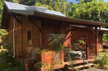 A partir de 178€ un forfait massage avec un séjour 2 nuits /de 2 à 4 pers dans un Ecolodge tout en bois au cœur de la forêt tropicale avec Deals Guadeloupe