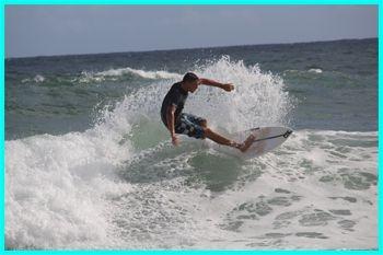 19€ au lieu de 28€ pour surfer sur la vague avec un professionnel de la glisse - une exclusivité Deals Guadeloupe