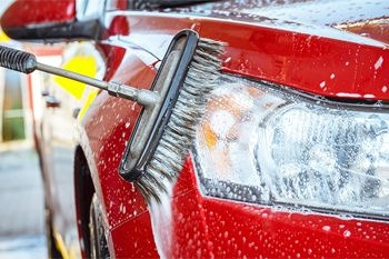 Un lavage complet de votre voiture 7 places, Suv, 4x2, 4x4 proposé par Deals Guadeloupe