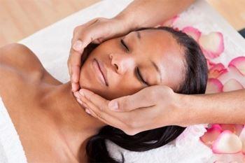 Modelage relaxant du dos plus modelage Dien Chan du Visage à prix Deals Guadeloupe
