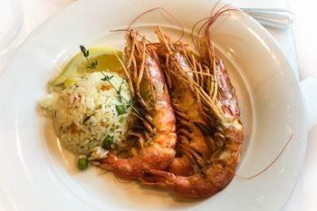 Pour les amateurs de ouassous, venez en DUO déguster votre plat préféré avant votre baignade à Grande Anse