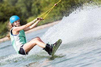 Initiation au Ski nautique avec des professionnels chevronnés de la glisse