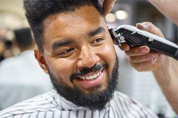 Une coupe homme tendance pour tous types de cheveux