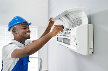 Un entretien professionnel bio et complet de votre climatiseur par un professionnel expérimenté