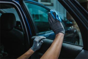 Jarry - Faites retirer le film des deux vitres teintées avant de votre véhicule avec Deals Guadeloupe