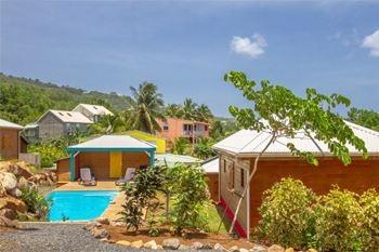Deshaies – Séjour de 2 à 4 Nuits /5 Pers. à partir de 113€ /Nuit dans un superbe bungalow de 40 m2