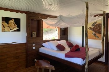 Deshaies – Séjour 3J/2Nuits 2 personnes à 107€ / Nuit en bungalow tout en bois naturel avec vue mer