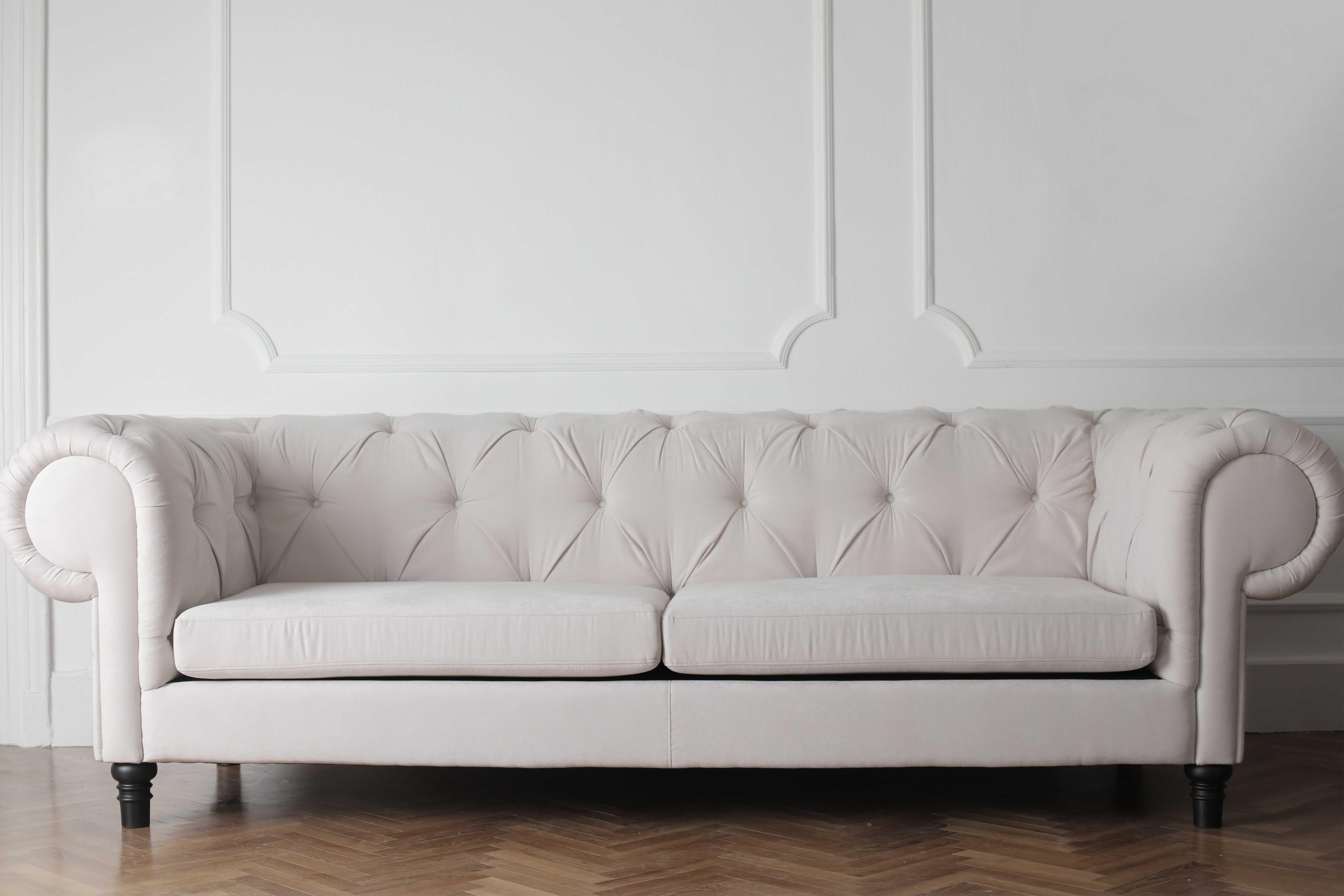 Promo sur un nettoyage complet de votre canapé 2 places - Grande Terre